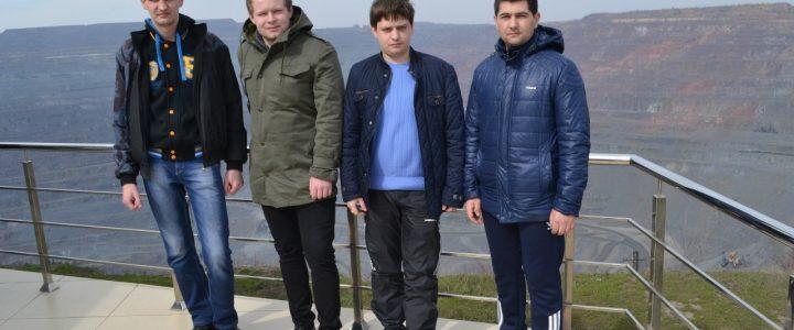 Студенти ГЕФ на екскурсії на Криворізькому руднику після олімпіади